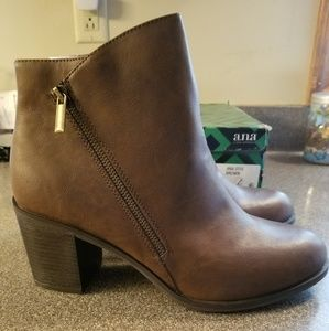 NEW IN BOX A.N.A Otis Boots Sz 11M